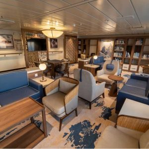 Interior-Library © Aurora Expeditions