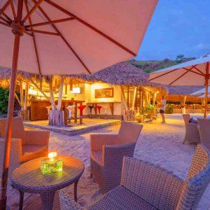 Indonesia - Komodo - Komodo Resort and Diving Club - 3. Beach bar at sunset